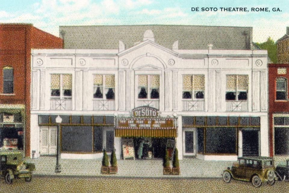 DeSoto Theatre opens its doors